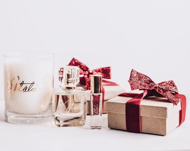 Deck the halls with Natalie fragrance this Holiday Season! ️