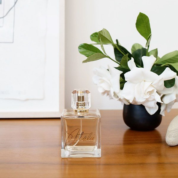 This fresh, sparkling floral scent opens with an alluring combination of freesia, neroli, bigarde zest and rose oil.  nataliefragrance.com ⠀