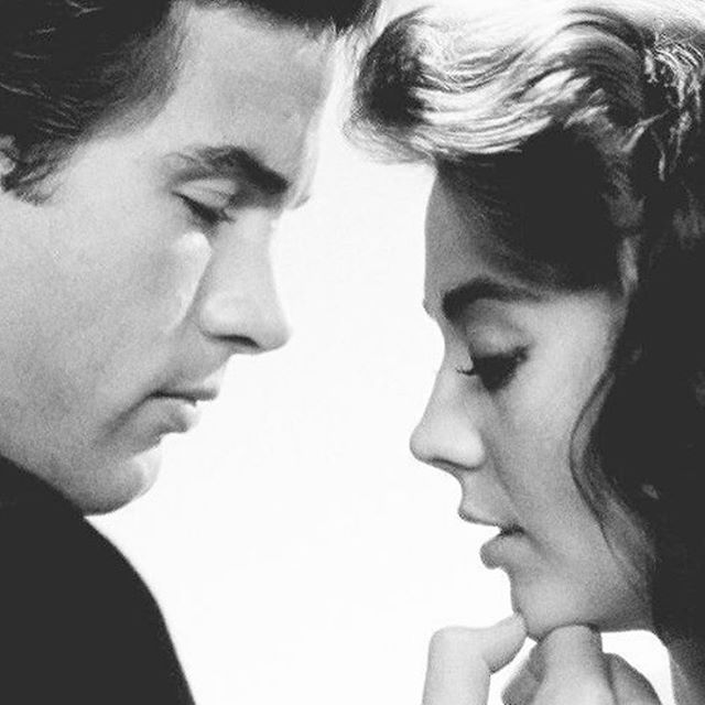 Natalie Wood with Warren Beatty for Splendor in the Grass.⠀