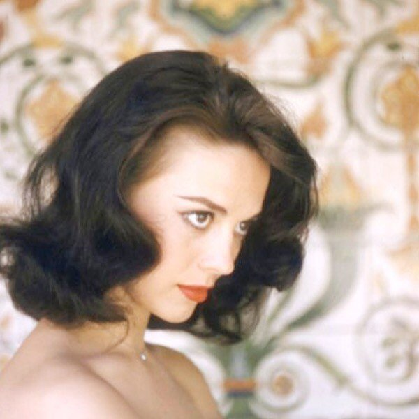 Natalie Wood by photographer Peter Basch. ⠀